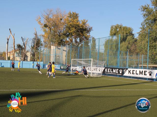 futbol-znaj-nashix-sme-ukraina-v-moldove 33