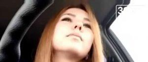Молодая девушка, снимая видео, попадает в аварию